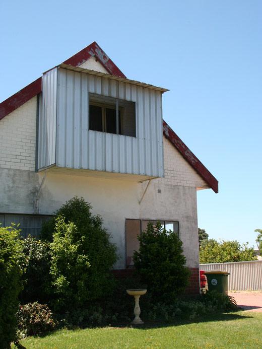 shedhouse2.jpg
